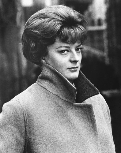 Maggie-Smith-maggie-smith-30735123-395-500