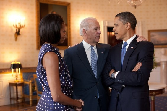 michelle_obama_with_joe_biden_and_barack_obama_in_the_white_house